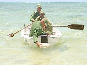 Tropas cubanas incautan cargamento de drogas en el mar