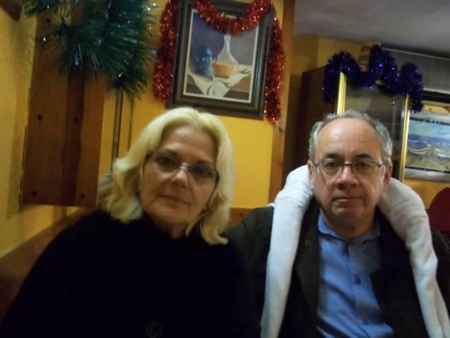 Pedro Riera Escalante con su esposa en Oviedo, Asturias.