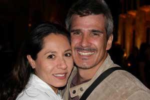 Faxas junto a su esposa mexicana, con quien comparte su vida desde hace seis años.