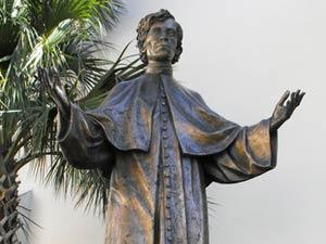 Estatua al Padre Félix Varela en St Augustine, Florida