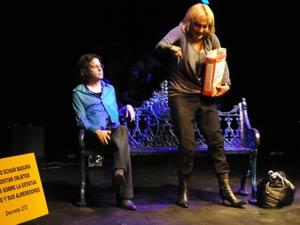 Escena de La Historia de Juan Lennon, puesta en escena del Teatro de las Dos Orillas.