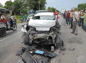 Foto del auto donde viajaba Payá Sardiñas, segun apareció en la página de Facebook del Partido Comunista de Cuba. La imagen corresponde a un accidente ocurrido en Cienfuegos el pasado junio.