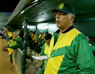 Jorge Fuentes, el mánager más ganador en Series Nacionales, regresa para imponer disciplina a la pelota cubana,