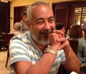 El escritor Leonardo Padura en un restaurante de Miami, el pasado 10 de noviembre.