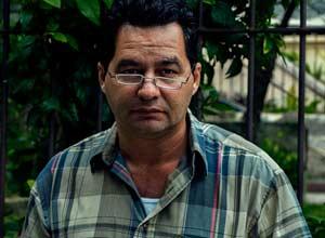 El escritor Angel Santiesteban, a la espera de ser llamado para cumplir su sentencia en prisión.