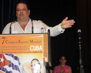 Enrique Alemany, presidente de la Federación Espírita de La Habana: El espíritu de Chávez nos acompaña.