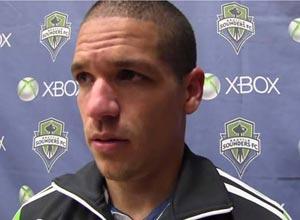 Osvaldo Alonso, deseoso de incorporarse a la selección nacional de EEUU.