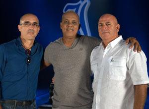 El empresario Alejandro Cantón junto a Rey Vicente Anglada y Armando Ferreiro durante las filmaciones de un documental.