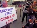 Zafarrancho en Miami Beach: El Consulado cubano y la batalla de ideas