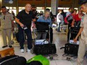 Aduana alerta por aumento de viajeros con drogas, armas y medicinas de contrabando