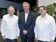 Raúl Castro reaparece junto a canciller de Luxemburgo