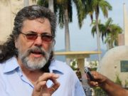 Abel Prieto ante la tumba de Fidel Castro: Estaremos con Venezuela hasta las últimas consecuencias