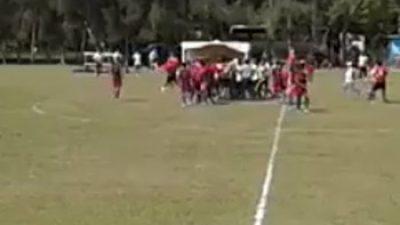 Violencia en la cancha: Campeonato de fútbol termina con agresión a un árbitro
