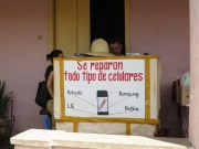 Cerrojo oficial: Gobierno cubano cancela licencias para trabajo por cuenta propia